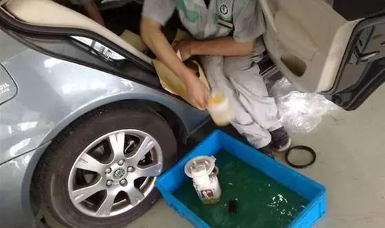 油耗暴增 你的油箱该洗了高清图片