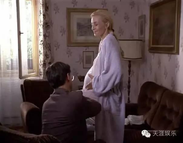 假怀孕不是塞个枕头就ok,怀胎九 讲童话故事胎教么可怜的小黑