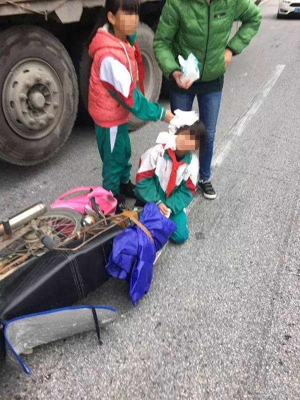 惋惜 梯面一小学生放学路上遇车祸身亡,罪魁祸首又是 它