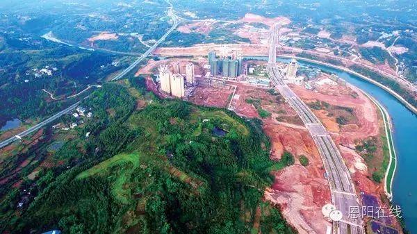 成巴高速巴中 恩阳 西互通项目进入高架桥土石方开挖阶段,预计明年6