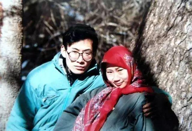 为了一句承诺,他花4年时间为妻子打造80万花田,陪你一起花心到老