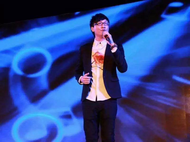 新歌排行榜no.9_韩星李弘基吐槽所属经纪公司 宣传新歌不给力