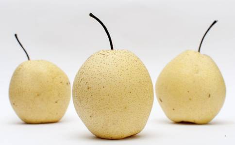 梨:秋天的水果王妃-秋季吃梨,生吃熟吃哪样最好